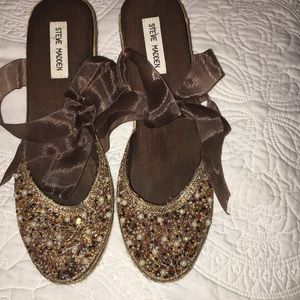 Bead brown espadrilles with ribbon lace up